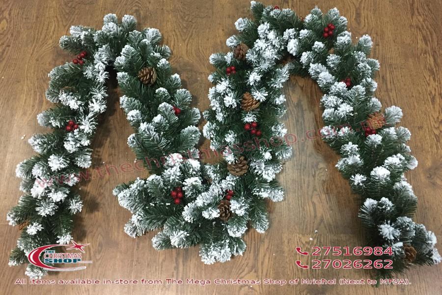GARLAND MARILEVA WITH ACORNS AND SNOW. 270CMS. 200 TIPS. PAR478325