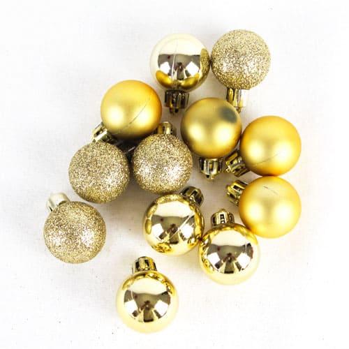 BOX OF 20 MATT AND GLITTERED GOLD BAUBLES. PAR721810