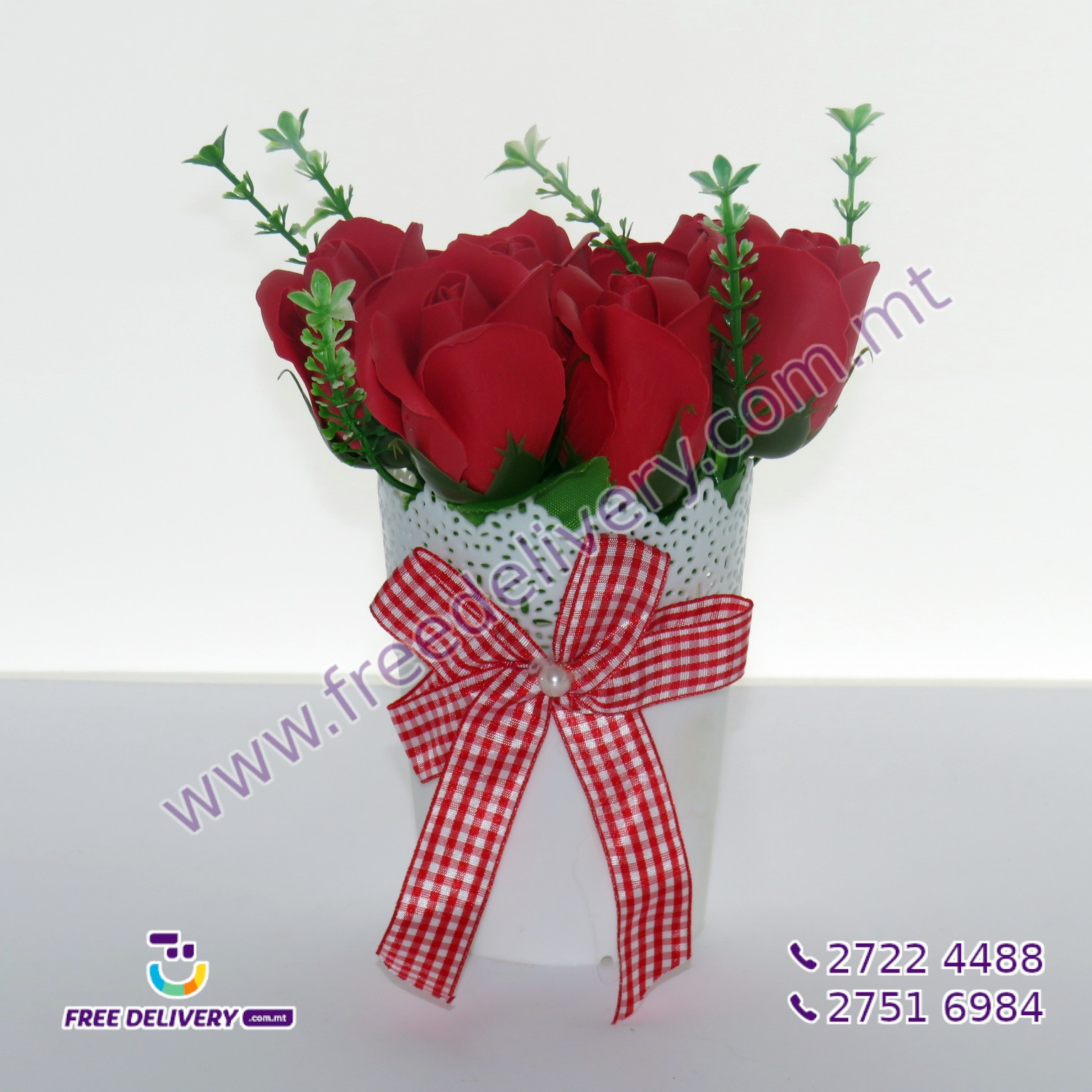 BUNCH OF RED ROSES IN A POT 20CM – MISC102750